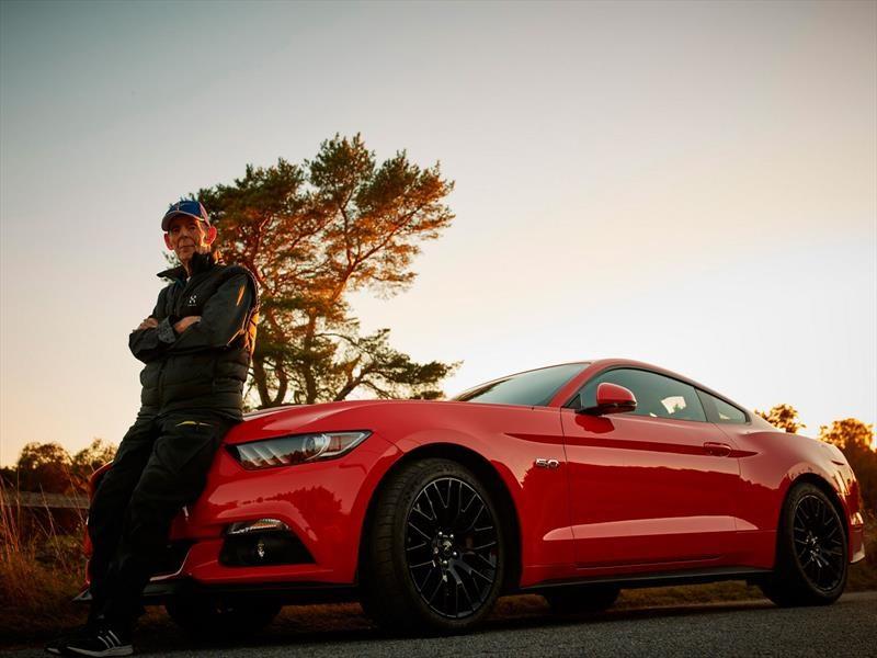 Lennart Ribring, el propietario de 97 años de un Ford Mustang V8 2017
