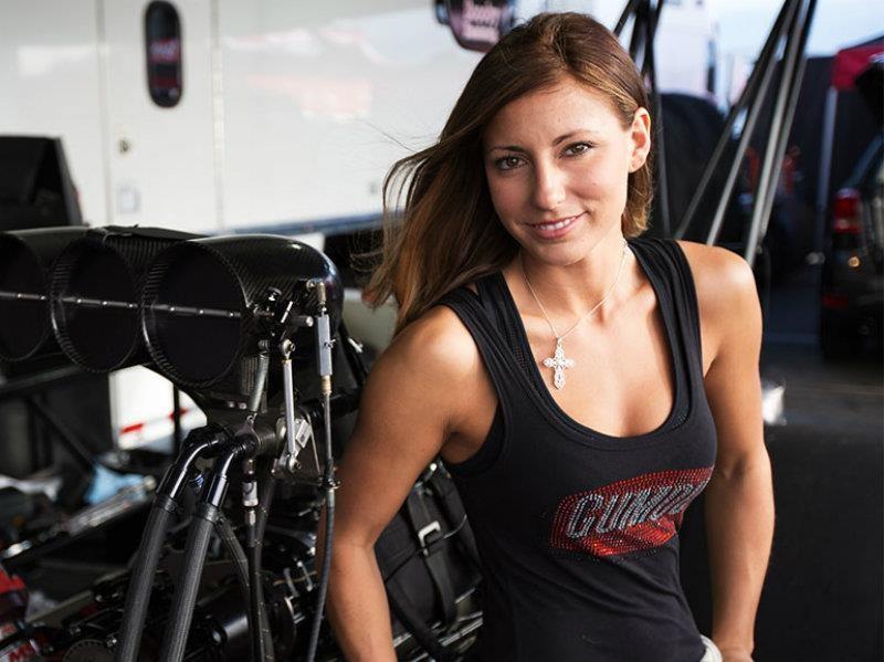 Leah Pritchett maneja un drasgter con 11,000 hp