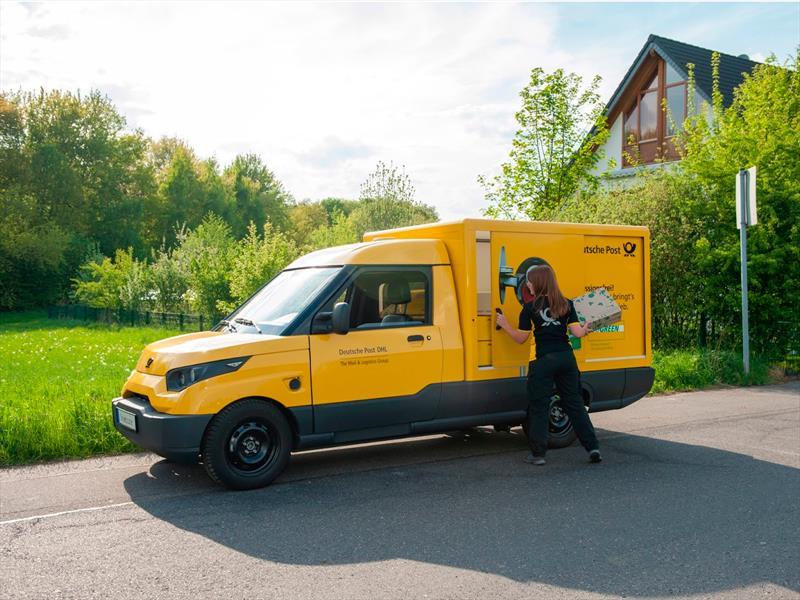DHL crea su propio vehículo eléctrico de reparto