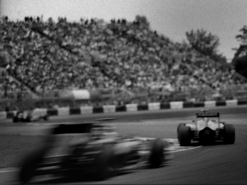 Documentan la vida de la F1 con una cámara de 100 años