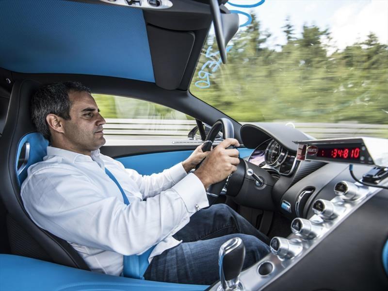 Juan Pablo Montoya impone récord de aceleración y frenado en un Bugatti Chiron