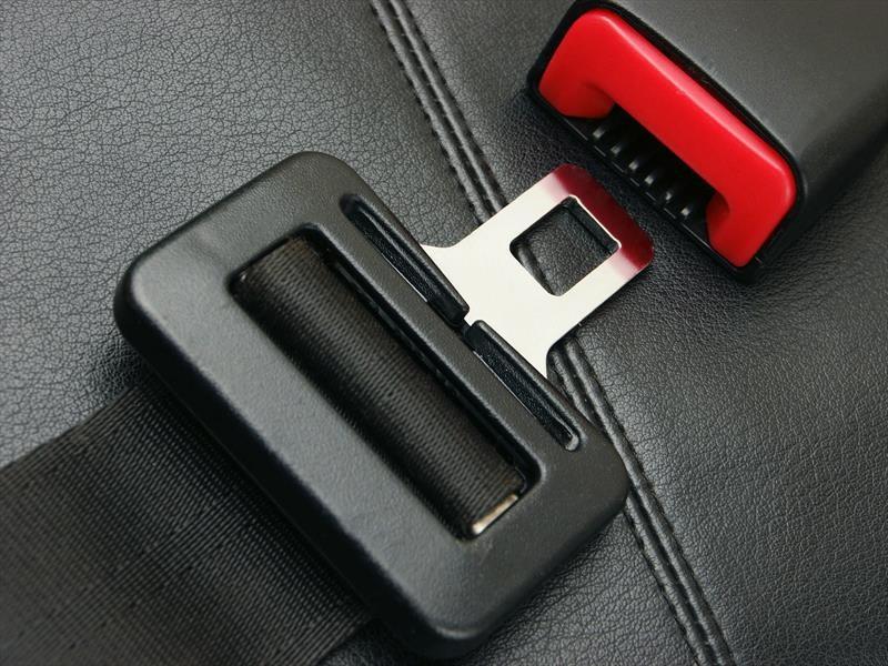 El cinturón de seguridad es tu principal salvavidas