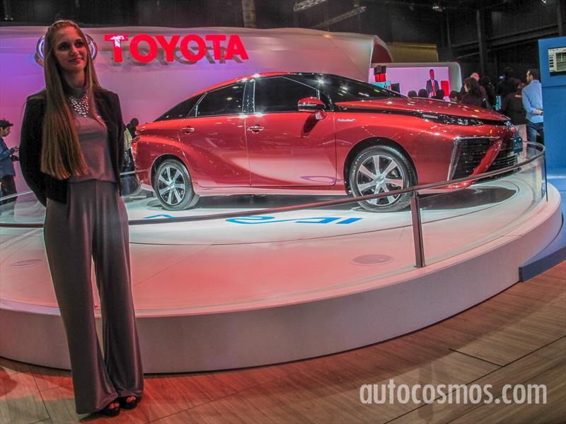 Toyota en el Salón de Buenos Aires 2015