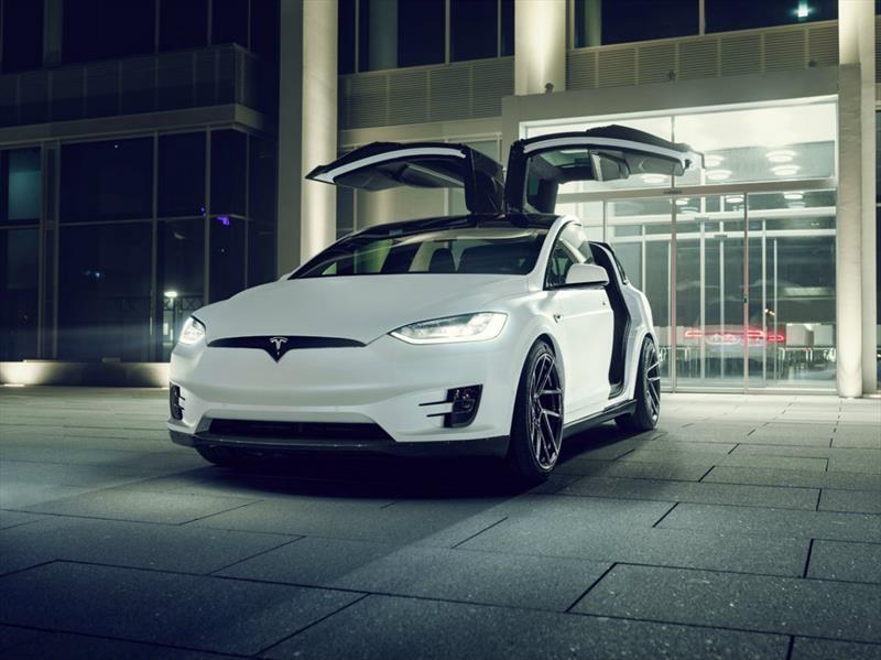 Video: Esto pasa si juntás a un Tesla Model X con Novitec