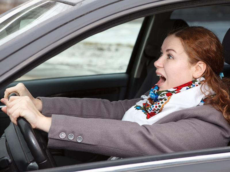 ¿Cómo detener tu vehículo si está fuera de control?