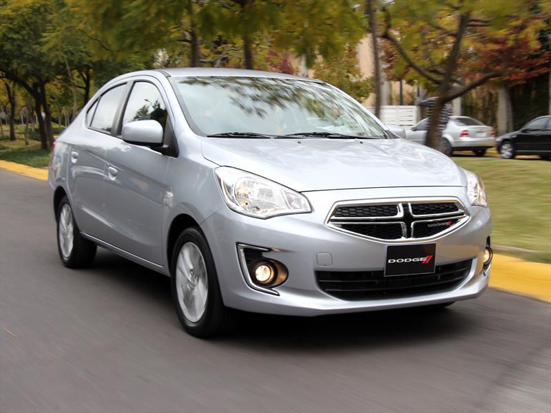 Dodge Attitude 2015 llega a México desde $157,900 pesos - Autocosmos.com