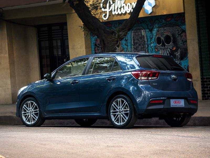 Kia Rio Hatchback 2018 Se Presenta Autocosmos Com