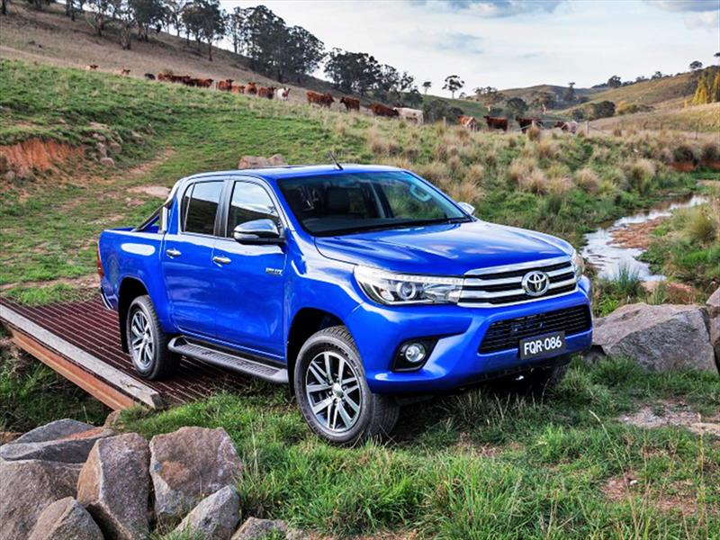 Toyota Hilux 2016, primeras imágenes - Autocosmos.com