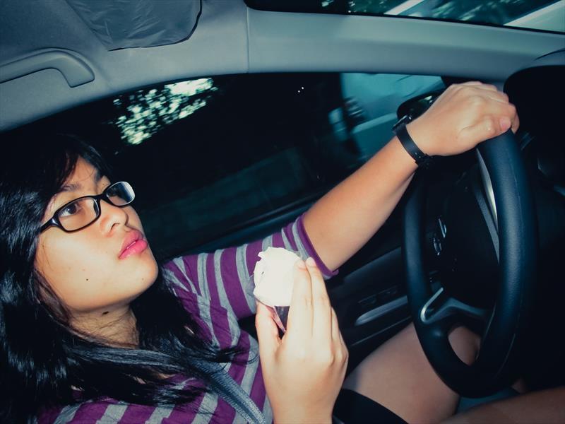 Riesgos  de comer antes de manejar