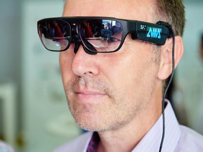 Henkel y PSA colaboran a través del uso de gafas inteligentes