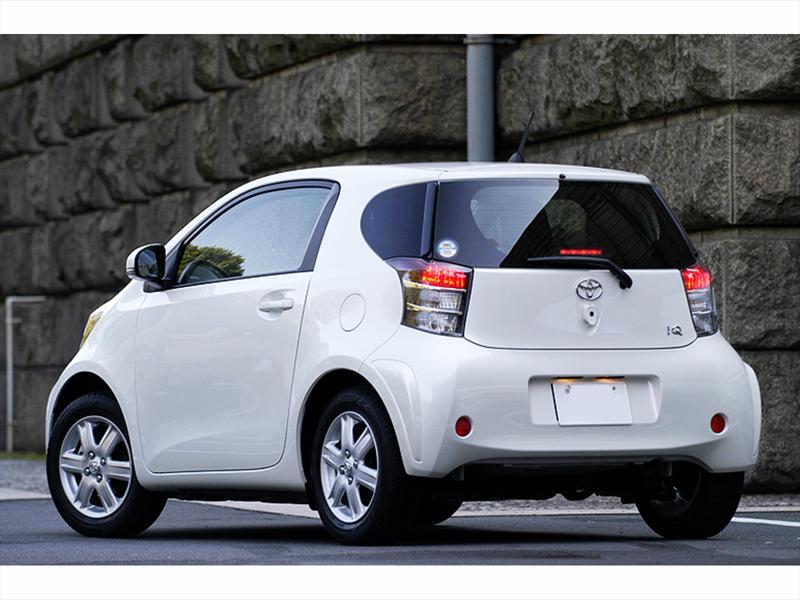 Toyota IQ con pantalla del smartphone