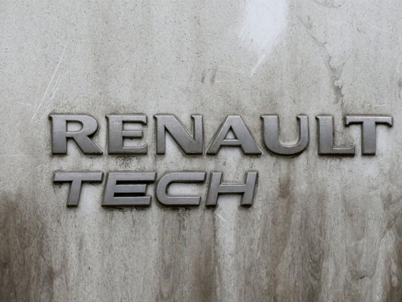 Renault sufre acusaciones de falsear cifras de emisiones