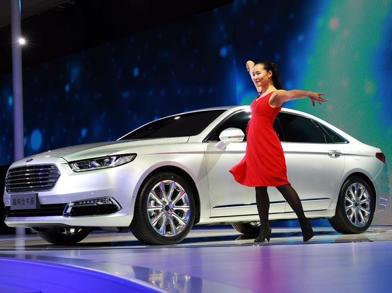 Ford Taurus 2016, desarrollado especialmente para China