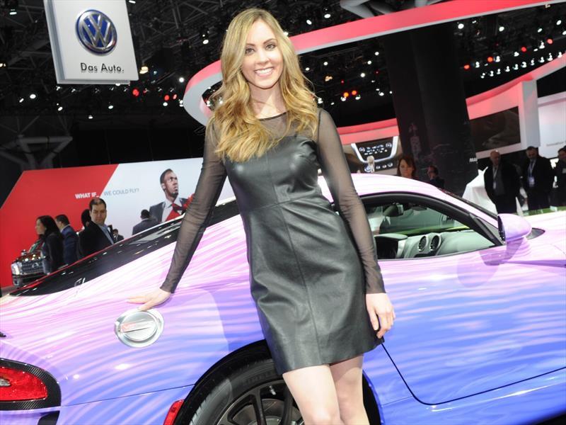Las chicas del Auto Show de New York 2015