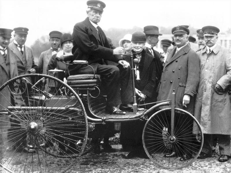 Patente N° 37435, el génesis automovilístico