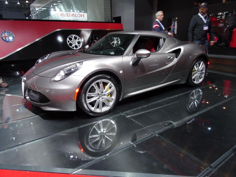 Alfa Romeo 4C 2015 debuta en Norteamérica
