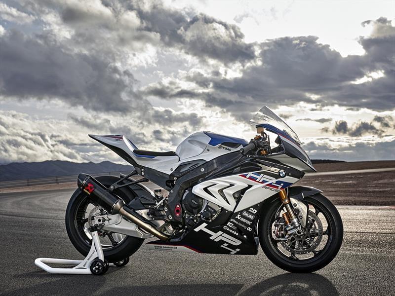 BMW HP4 Race, fibra de carbono de principio a fin