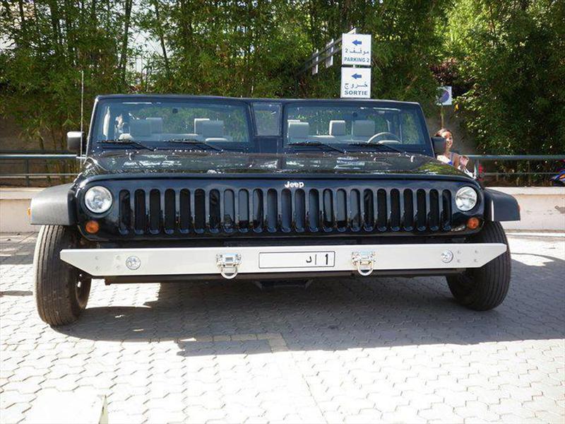 Jeep Wrangler siamés se pasea por Marruecos - Autocosmos.