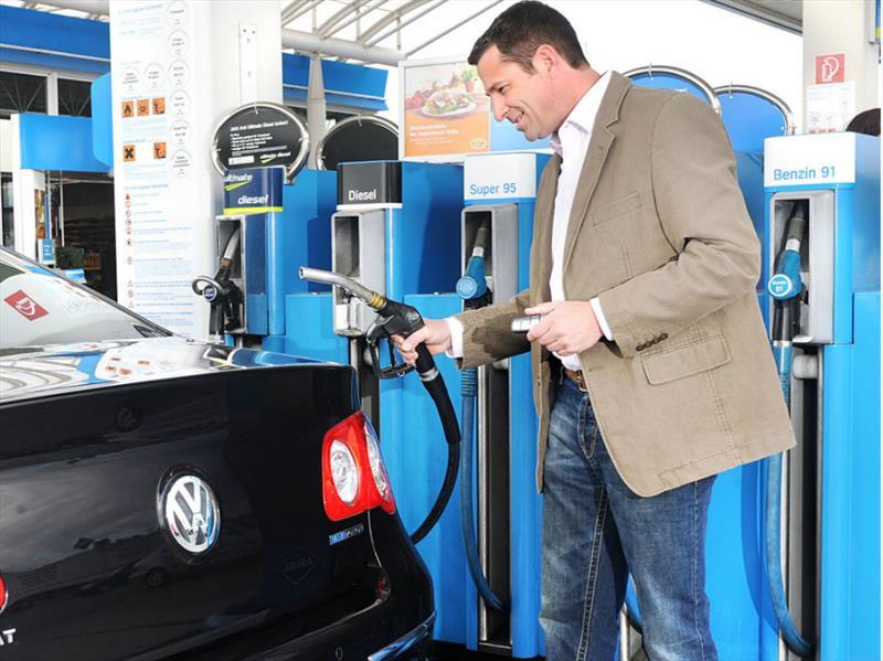 Autos bencineros o diésel estarán prohibidos en Alemania desde 2030