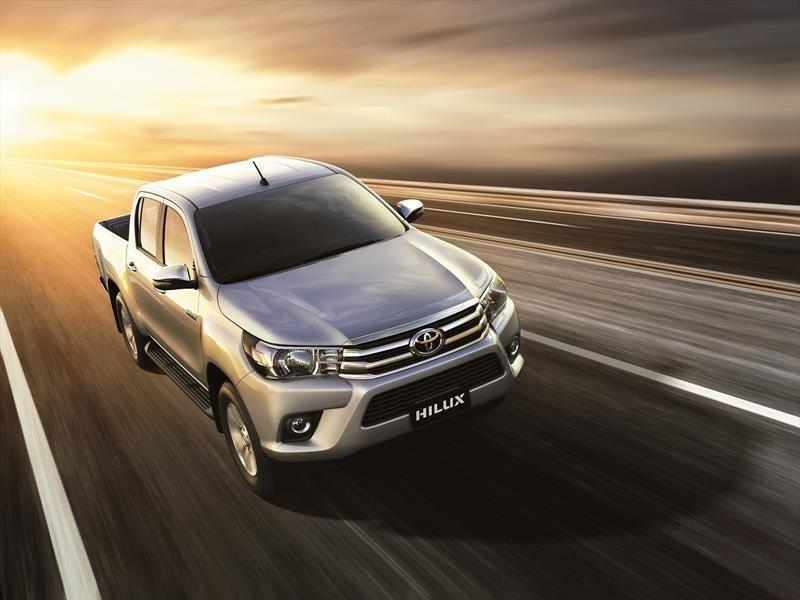 Toyota Hilux lanza tres nuevas versiones 4x2 en Argentina