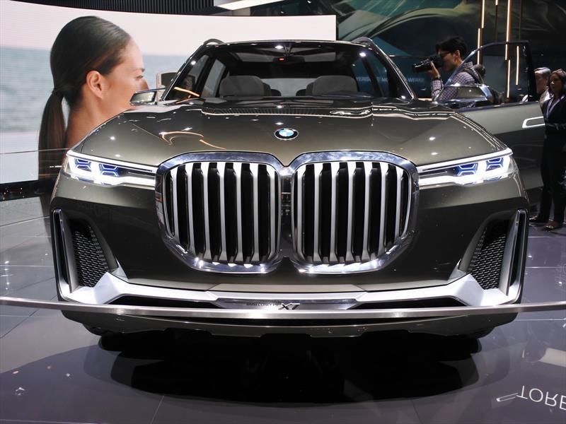 BMW Concept X7 iPerformance es una gigantesca SUV híbrida