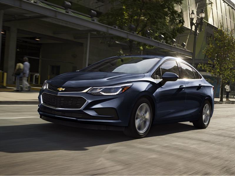 Chevrolet Cruze Diésel 2017, el auto más eficiente para carretera en EU