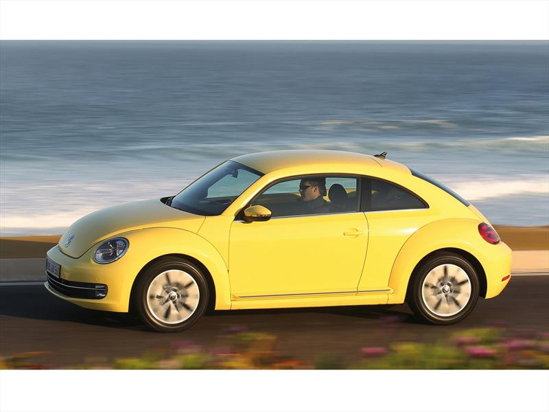Volkswagen Beetle 2012 a revisi&#243;n en EUA