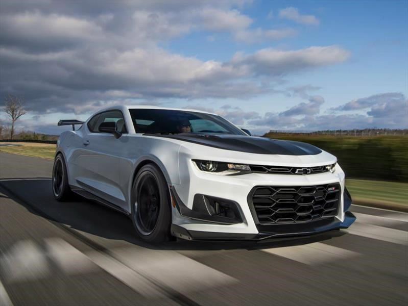 Video: Chevrolet Camaro ZL1 1LE en acción