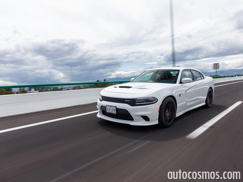 Dodge Charger SRT Hellcat 2016 a prueba