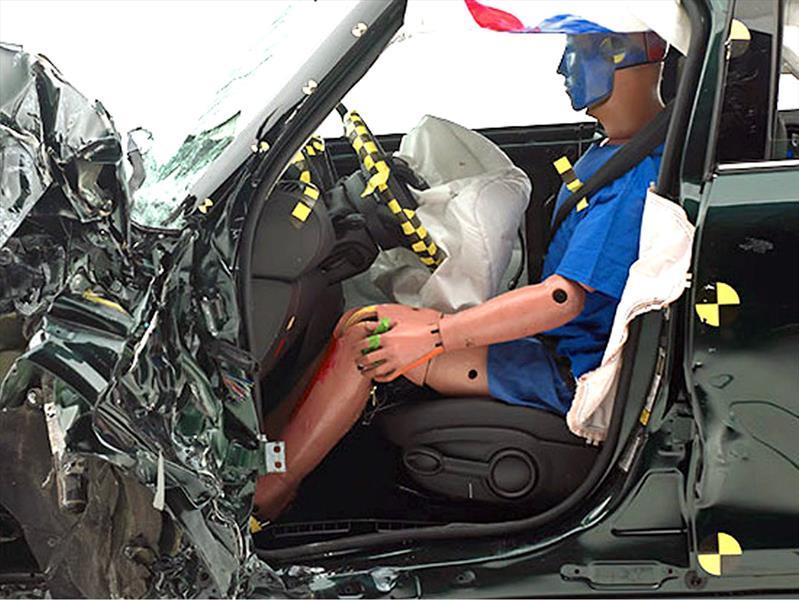 Euro NCAP anuncia a los autos más seguros de 2014