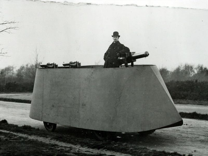 Conoce el primer vehículo blindado de la historia