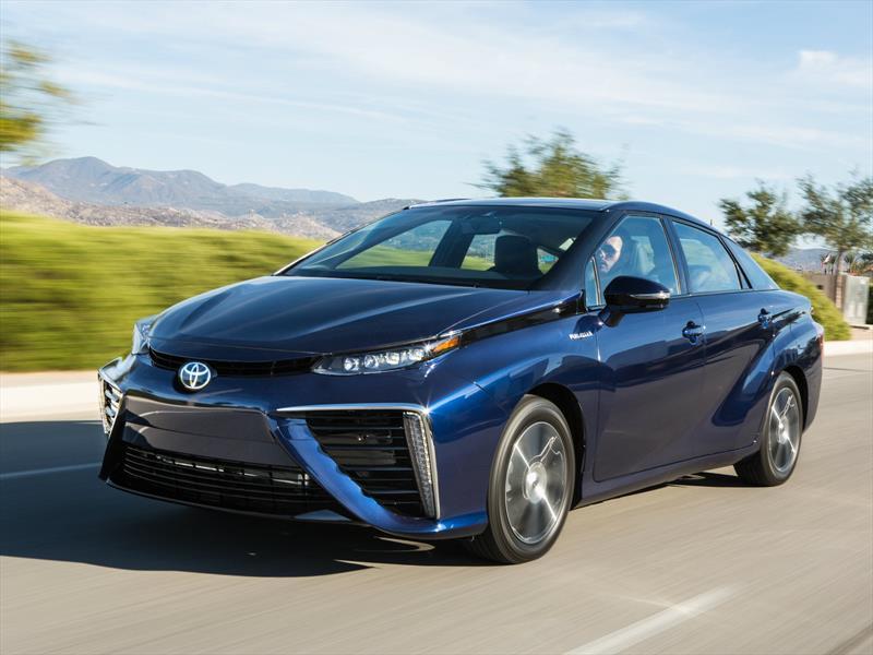 Toyota Mirai 2016 tiene un consumo equivalente de 67 MPGe
