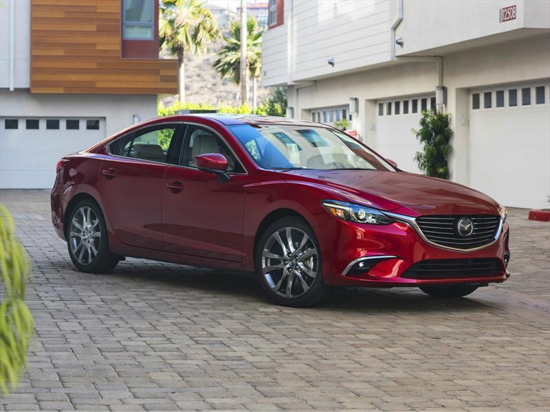 Mazda6 2017, con mejoras estéticas y tecnológicas