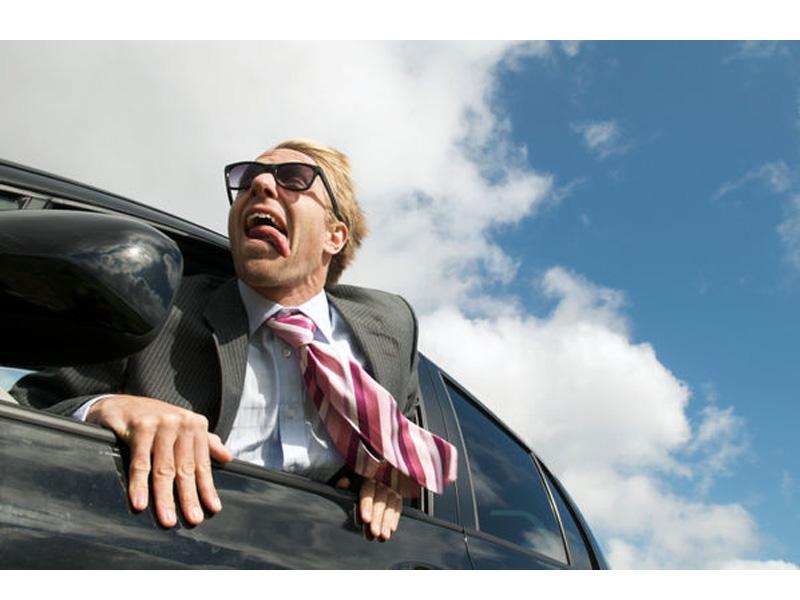 5 errores que se cometen al manejar con viento cruzado