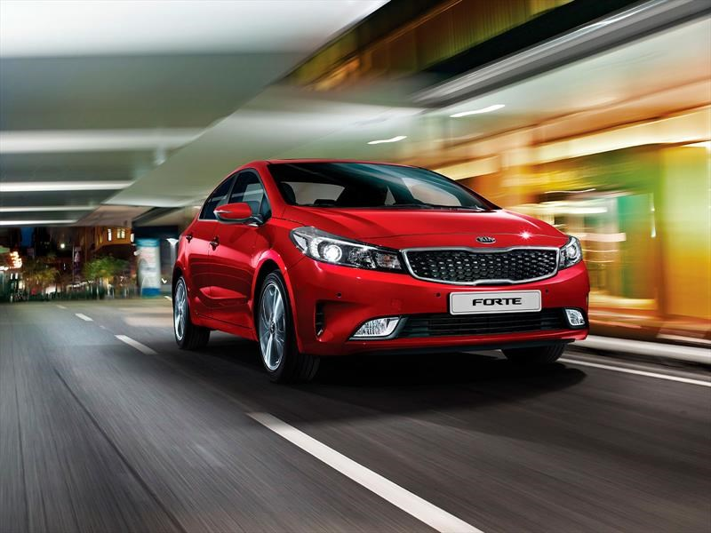 kia forte 2018 llega a m xico desde 240 900 pesos. Black Bedroom Furniture Sets. Home Design Ideas
