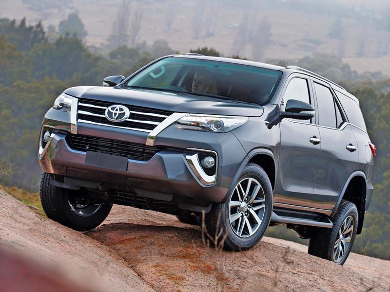 Toyota Sw4 Fortuner 2016 Ya Es Oficial Autocosmos Com