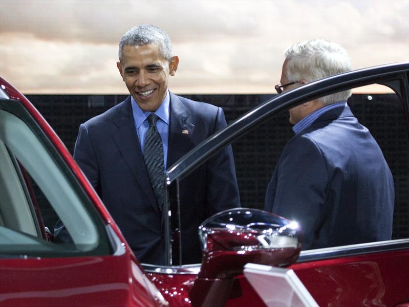Obama de visita por el Auto Show de Detroit 2016