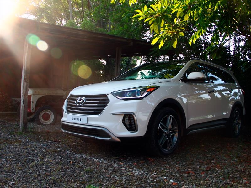 Hyundai Santa Fe 2018 se presenta