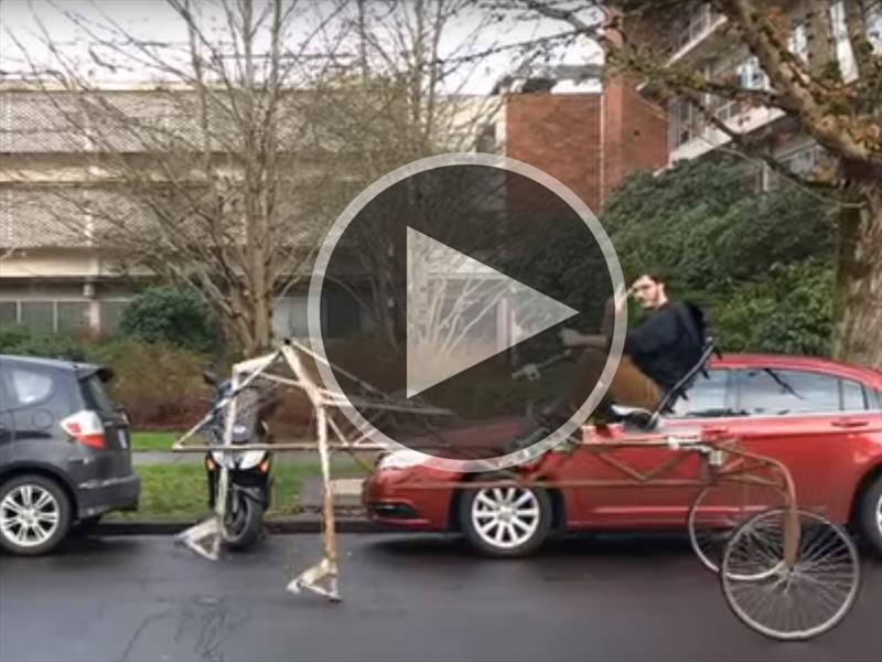 Video: Estudiante construye bicicleta que camina