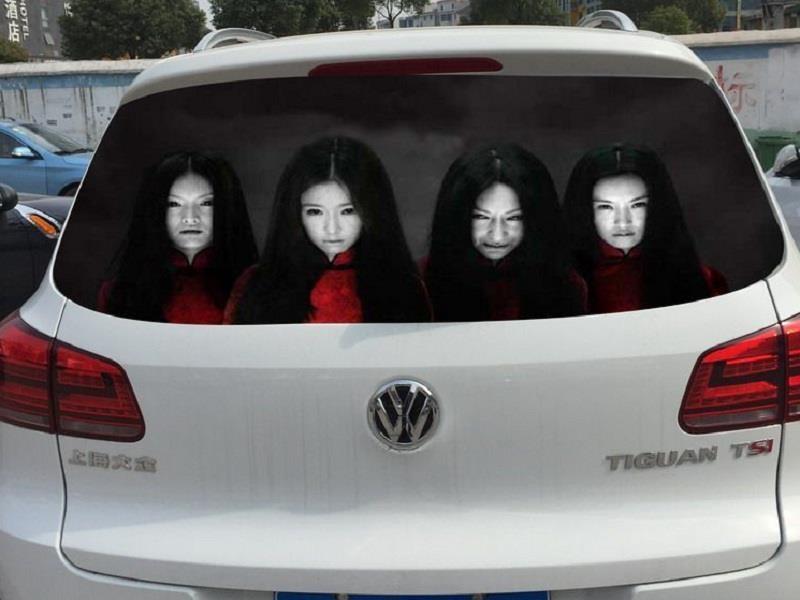 Conductores chinos espantan a quienes usan luces altas
