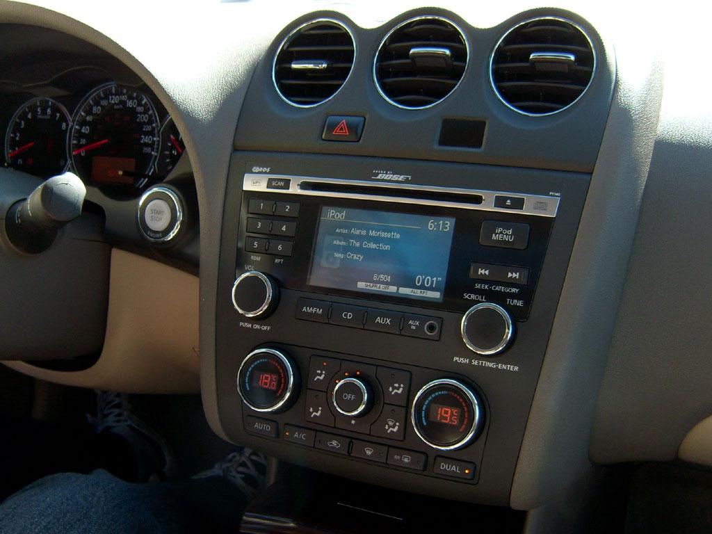 Nissan Altima presenta su nueva cara para el 2010 ...