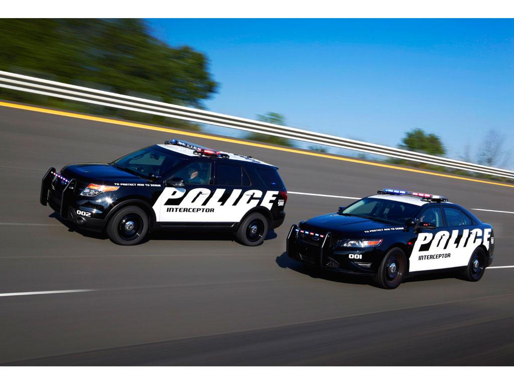 Ford Police Interceptor Es La Patrulla M 225 S R 225 Pida En