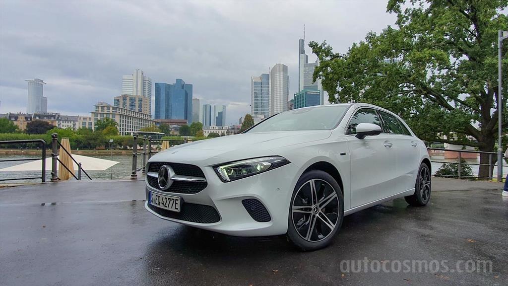 Mercedes-Benz A 250 e, el nuevo híbrido de entrada