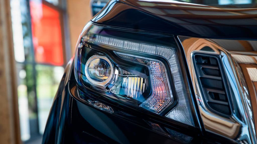 Nissan NP300 Frontier 2020 - Autocosmos.com