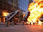 Los autos explotan al chocar