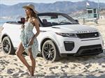Naomie Harris y el Range Rover Evoque Convertible
