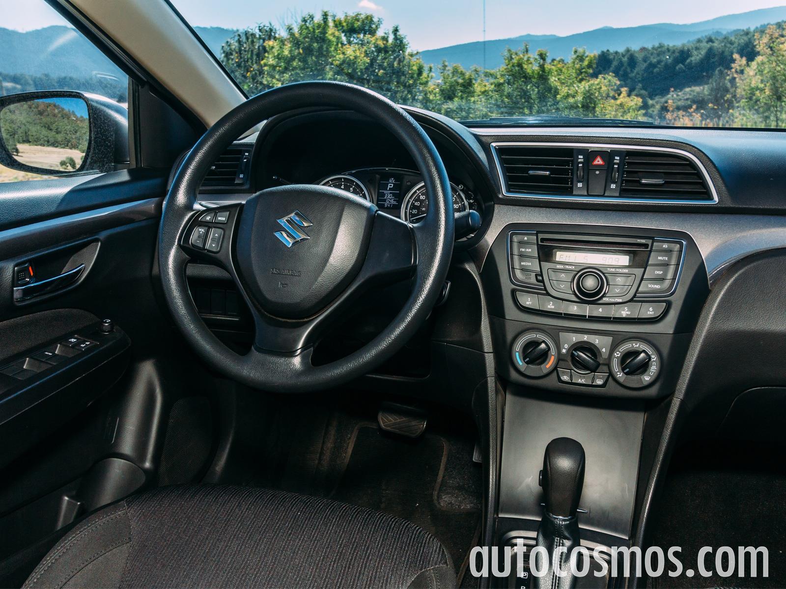Suzuki Ciaz 2016 a prueba - Autocosmos.com