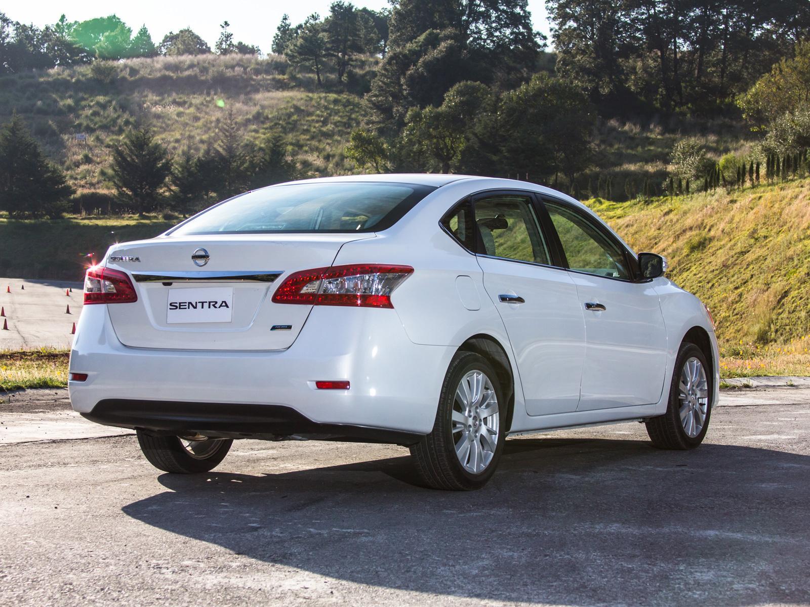 Nissan Sentra Exclusive Navi 2013 a prueba - Autocosmos.com