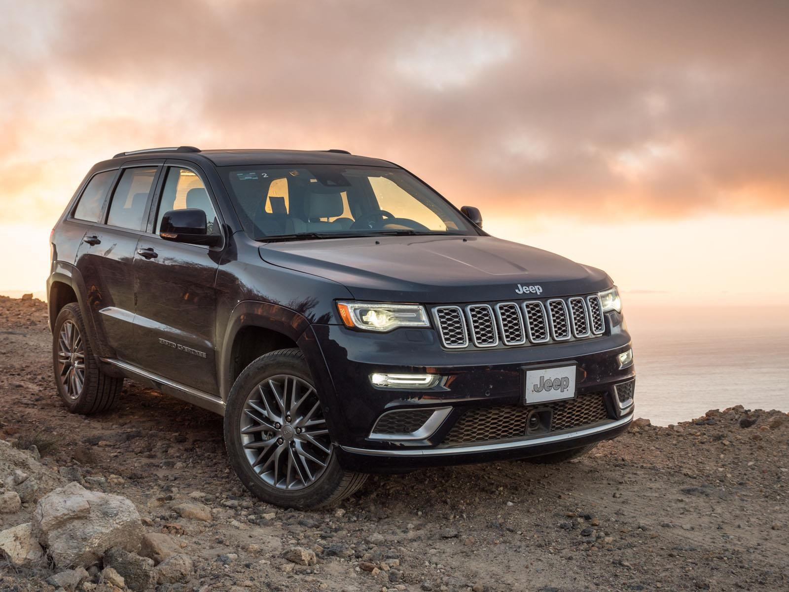 jeep grand cherokee summit 2017. Black Bedroom Furniture Sets. Home Design Ideas