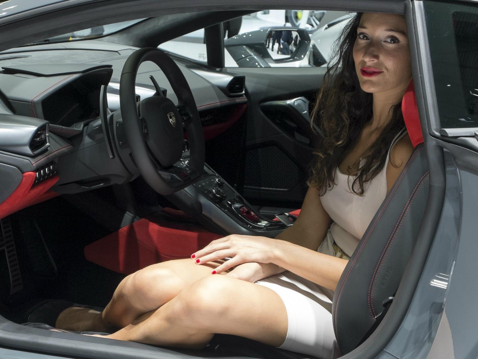 Chicas de 911 autoshow la furia de dr mecanico
